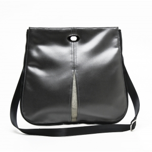Crossbody in Pewter/Seal